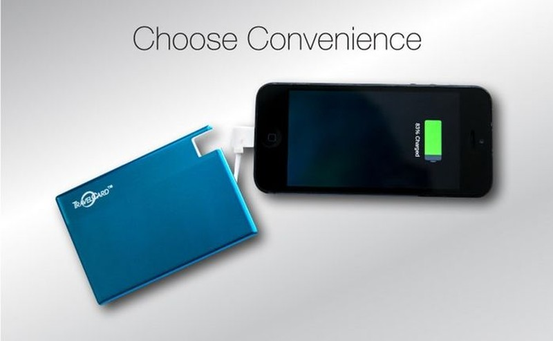 9. Портативное зарядное устройство TravelCard — маленькое зарядное устройство для мобильных гаджетов