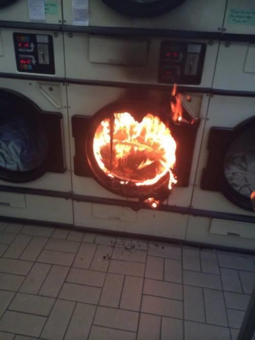 Когда хотел посушить одежду, но не твой день.