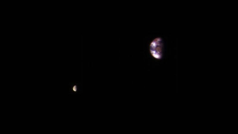 Профессионалы NASA опубликовали кадры Земли сорбиты Марса