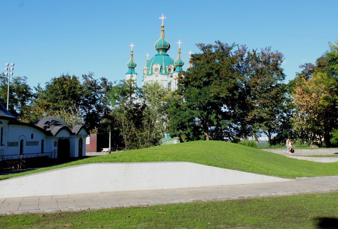 Аллея Старокиевской горы после реконструкции