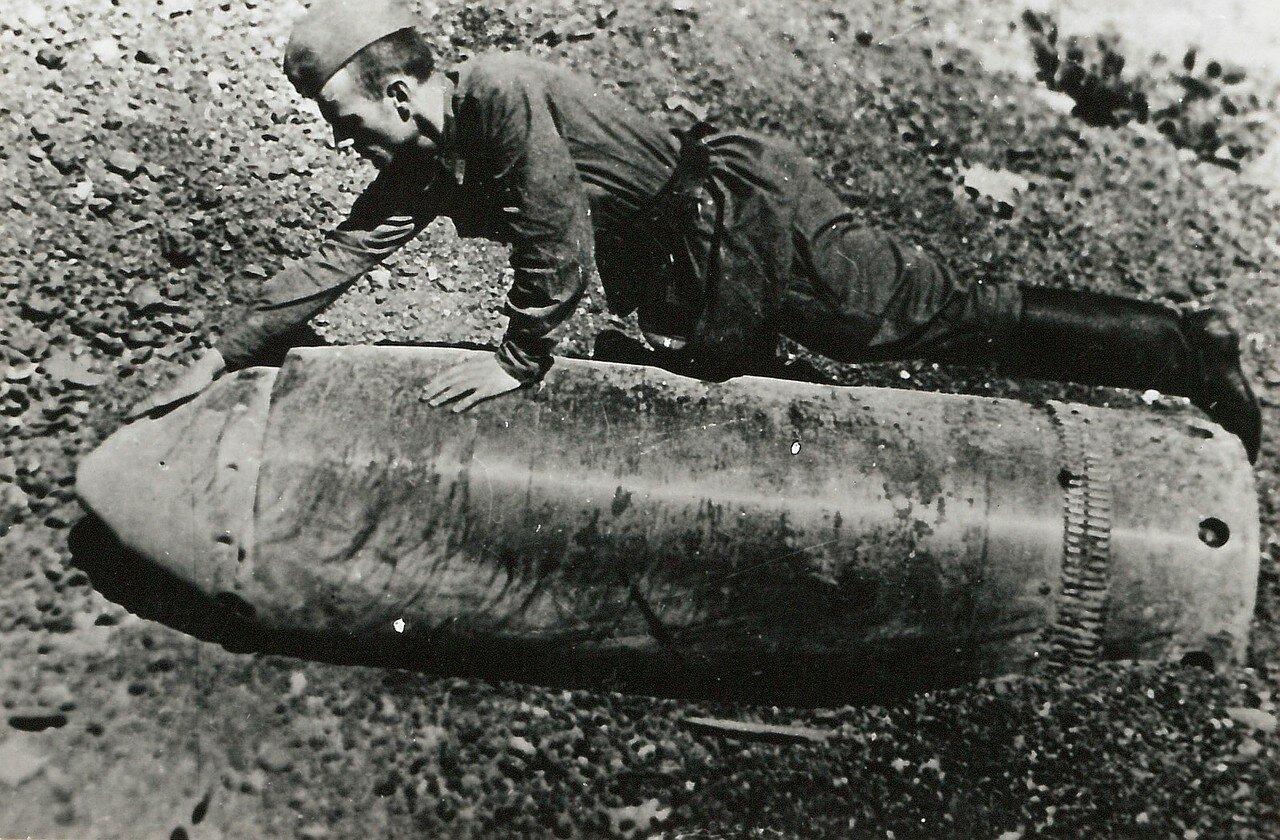 1942.  Севастополь. Немецкий снаряд
