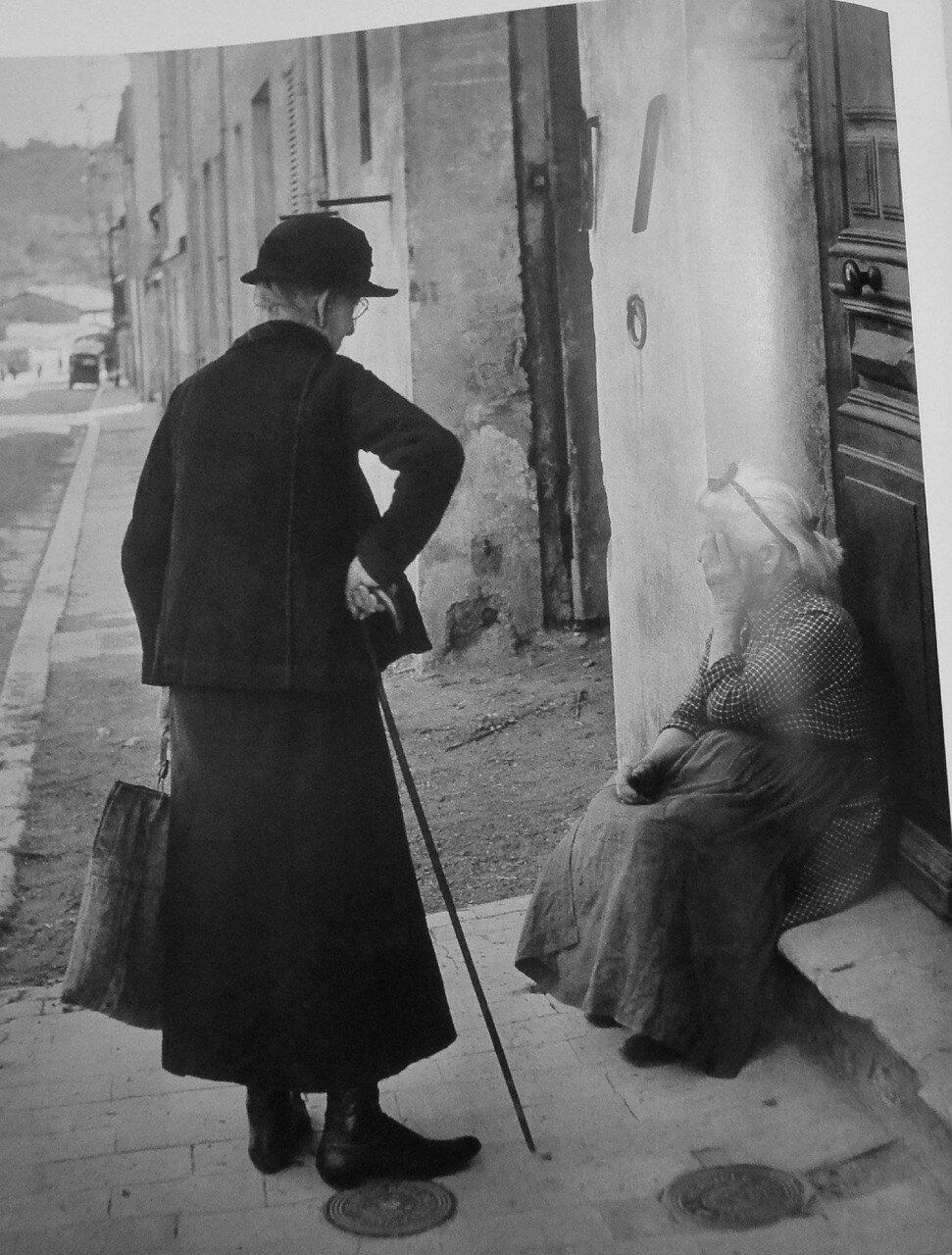 1946. Уличная сцена в Валлорисе