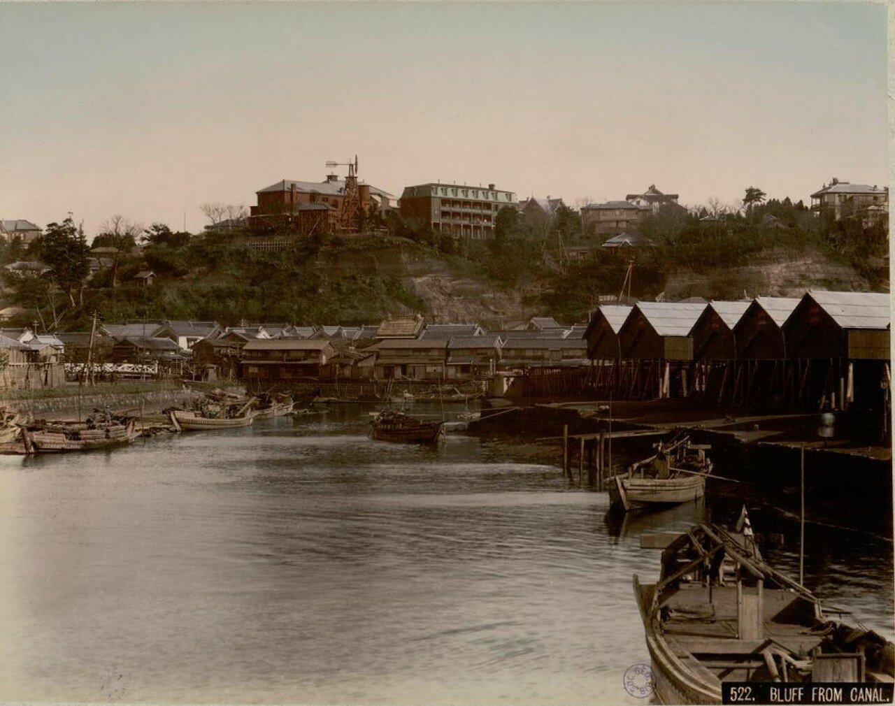 Иокогама. Вид утеса с канала