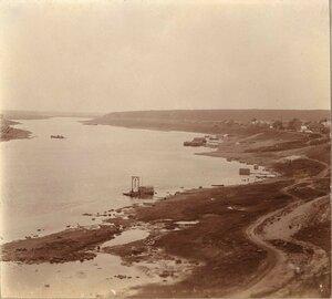 Набережная и берег Волги
