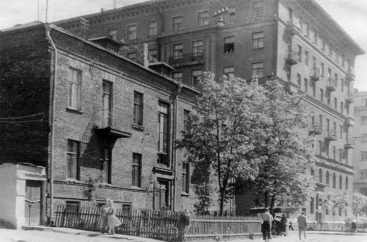 1960-е. Капельский переулок, 11