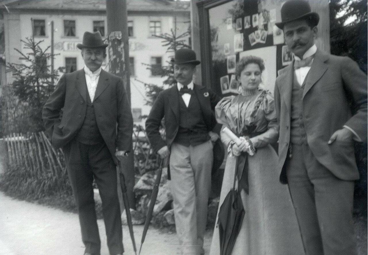 1897. Германия. Сен-Базьен. Борис Востряков со спутниками возле фотоателье