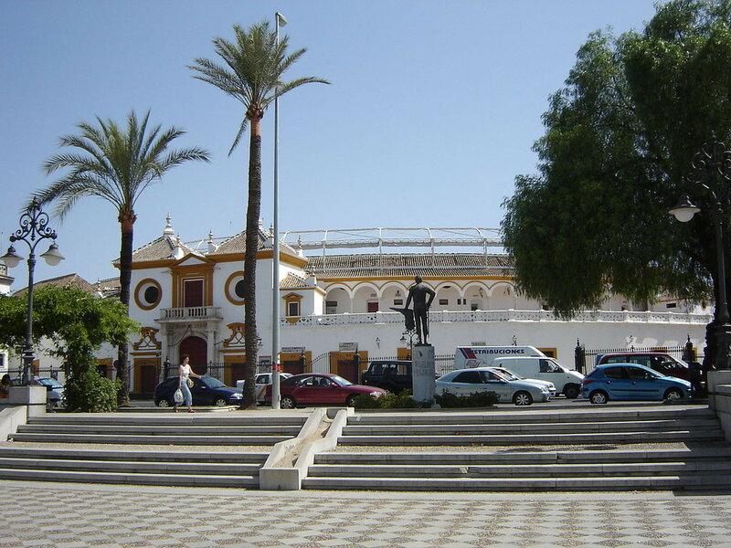 1024px-Sevilla_Plaza_de_toros.JPG