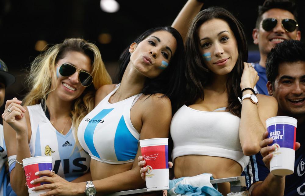 argentine-hot-girls-gagging-on-cum-video