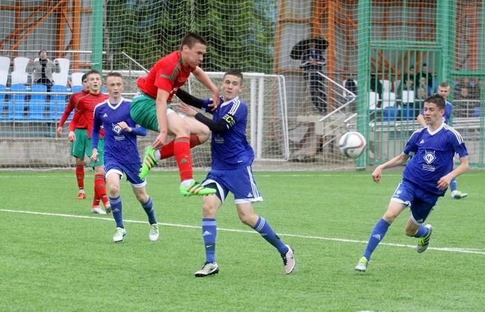 Московские футболисты померялись силами перед первенством России