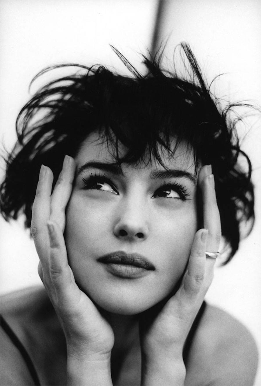 Моника Беллуччи в объективе Чико Бьяласа для журнала Vanity Fair, 1996 год.
