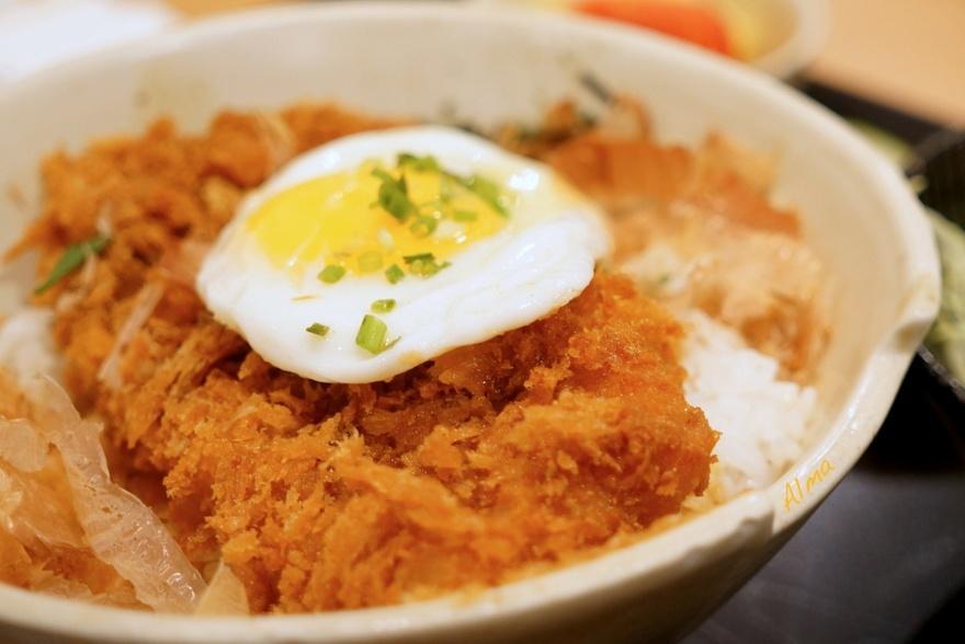 16. Япония В Японии популярным блюдом являются вовсе не суши, а кацудон. Это блюдо представляет собо