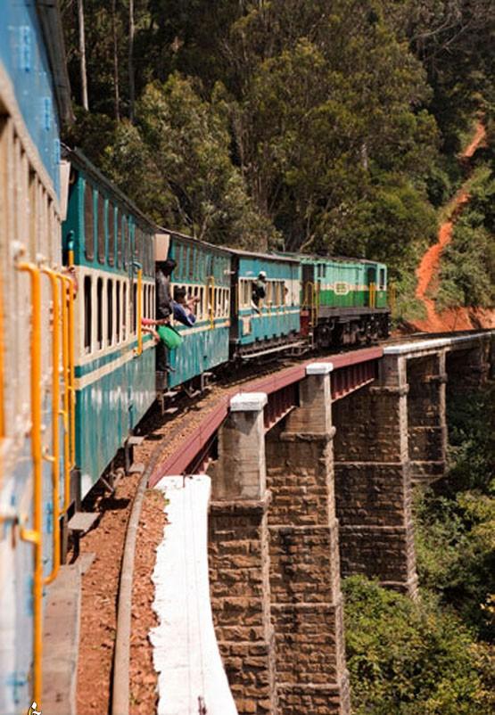 12. Горные железные дороги Индии Настоящими чудесами инженерии считаются Дарджилинг-Гималайская желе