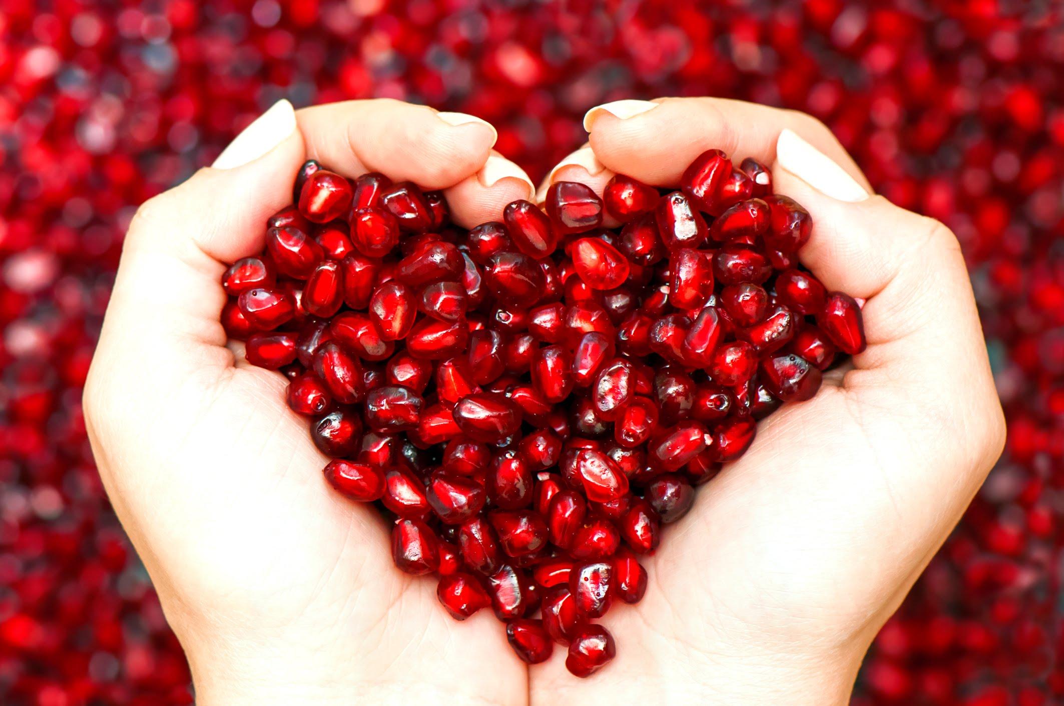 4. Снижение риска заболеваний сердца Гранатовый сок снижает уровень холестерина в организме и улучша