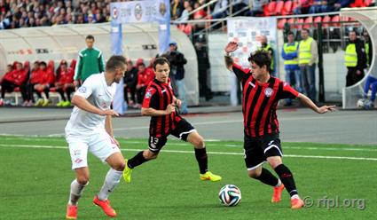 «Уфа» сыграла вничью с«Амкаром» вматче чемпионата РФ пофутболу