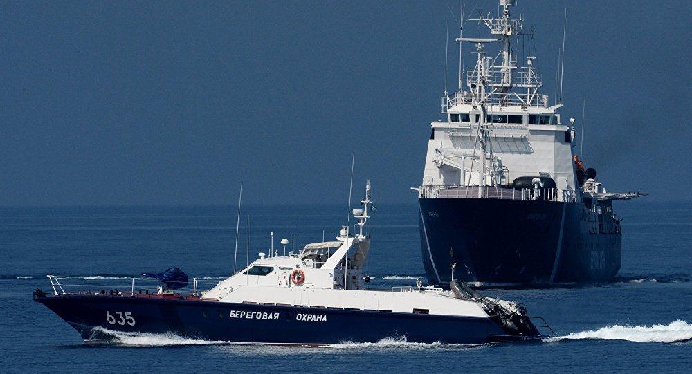Северокорейское судно-браконьер осмотрят в русском порту
