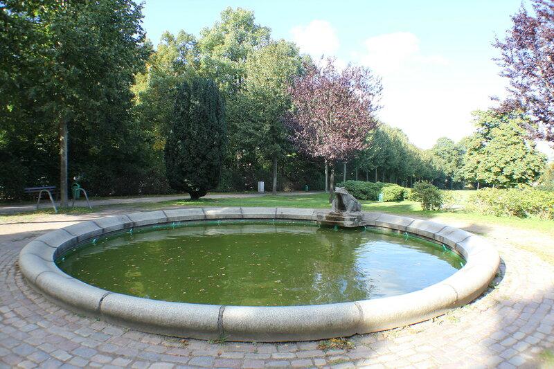 Der Froschbrunnen (2013) im Carlisle-Park