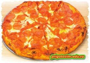 Пицца с сосисками и чесноком
