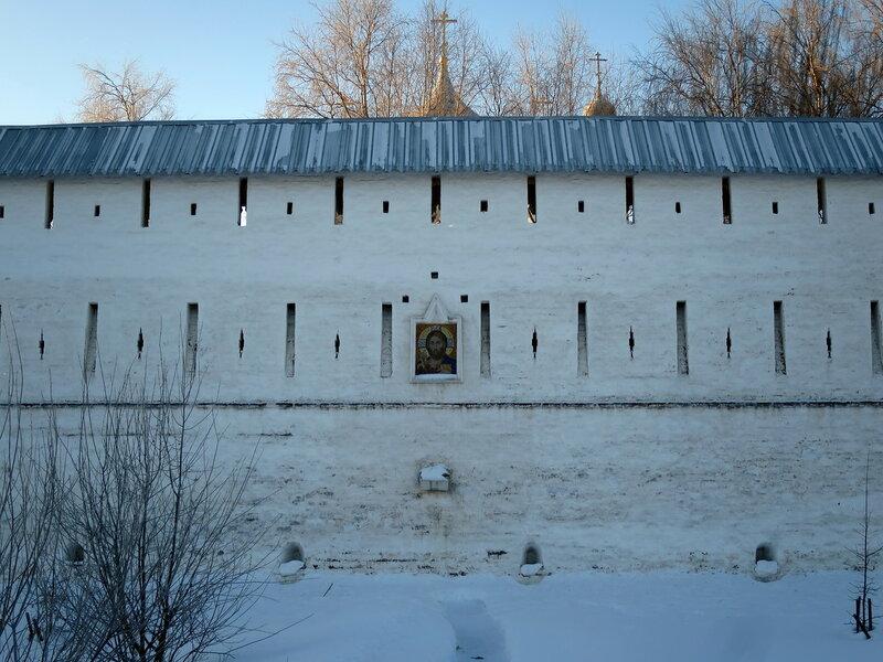 Спасо-Прилуцкий монастырь. Фрагмент северо-восточной стены