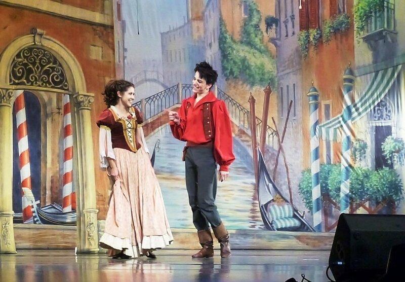 Сцена из спектакля. Труффальдино из Бергамо.