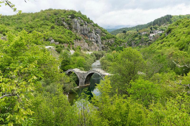 старинный каменный мост Плакида - Калогерико (Plakida-Kalogeriko), Загория, Греция