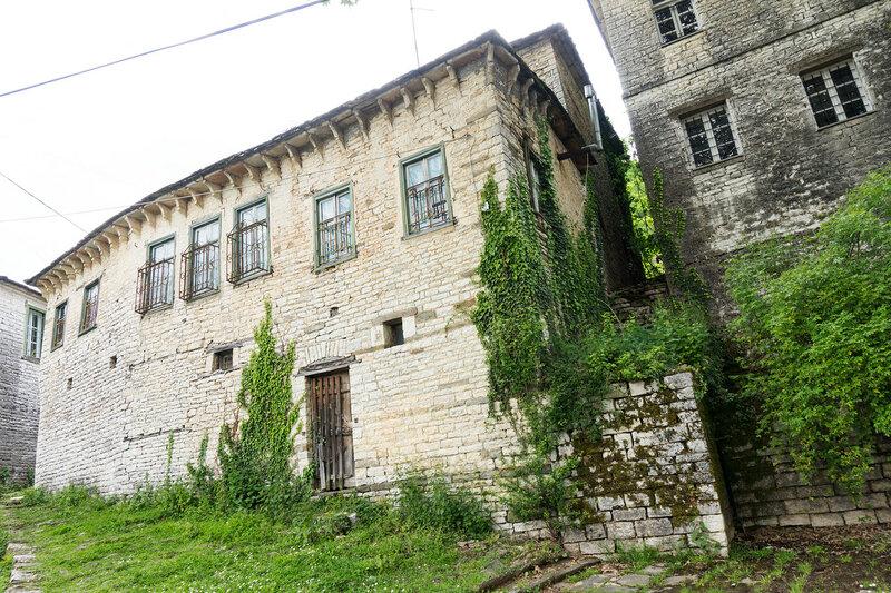 дома в старинной деревне Дилофо (Dilofo), Загория, Греция