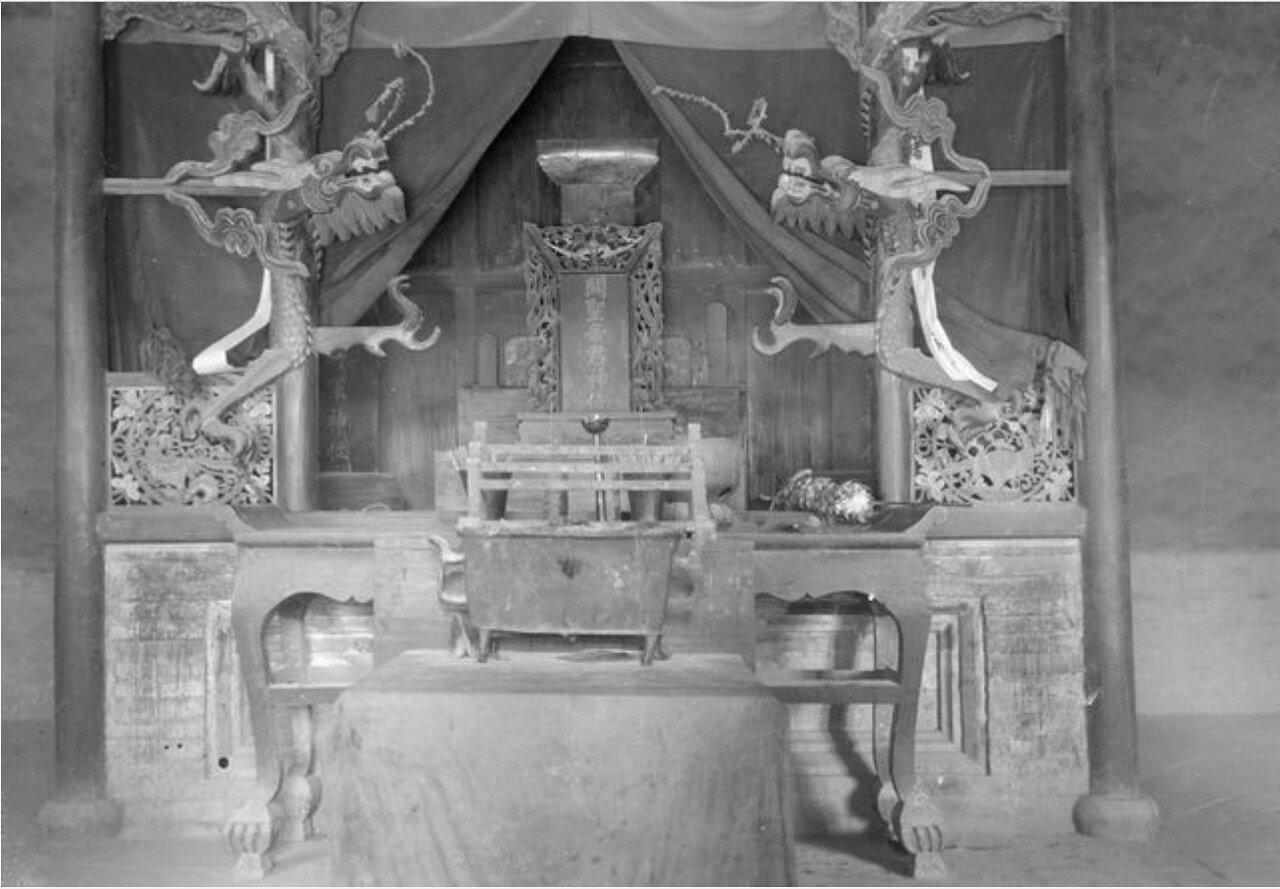 Китайский храм. Интерьер