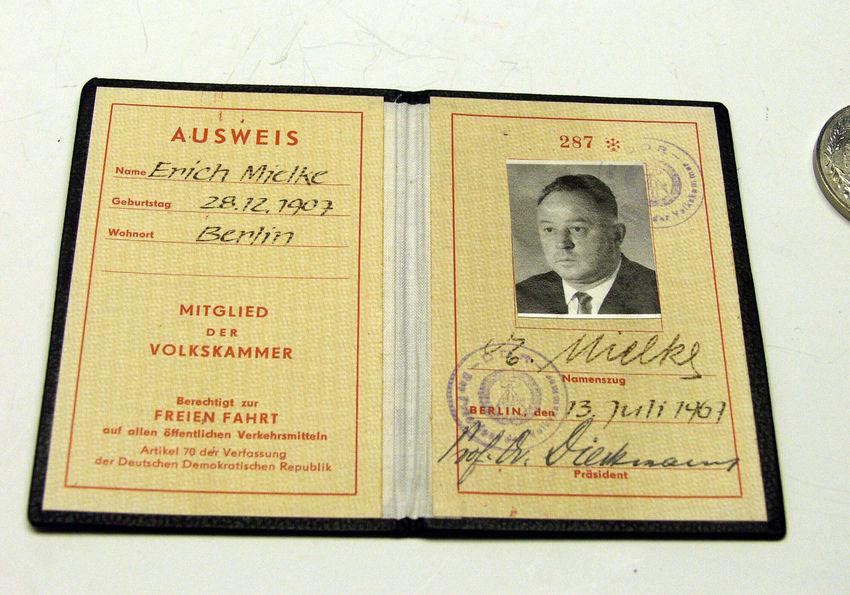 GERMANY-EAST-STASI-INTERNET Pass von Erich Mielke