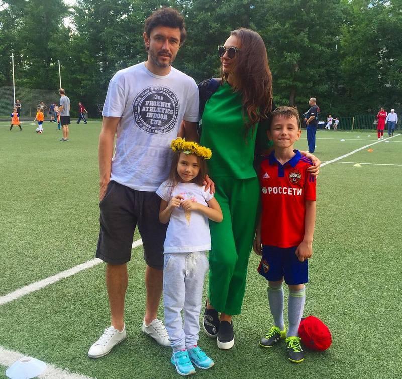 Сексуальные жены российских футболистов в Instagram