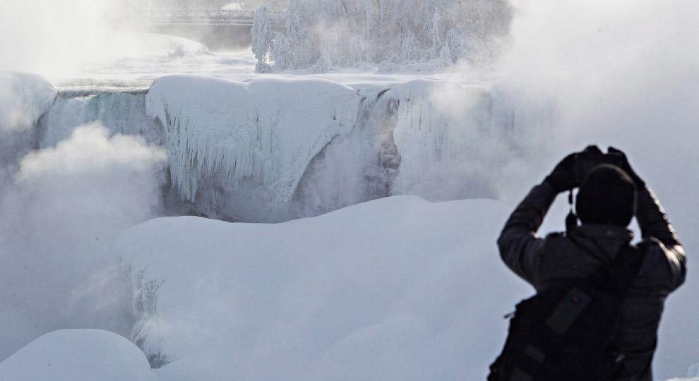 7. Ширина большой «Подковы» — 792 метра, а «Американского Водопада» — 323 метра. (Фото Aaron Ly