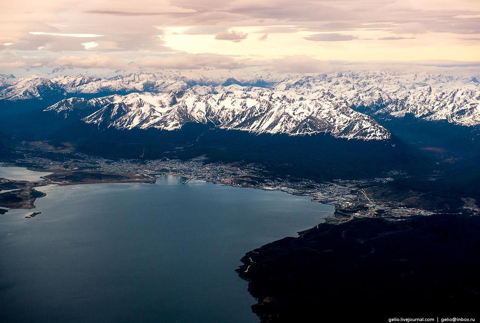 17. Анды. Самая длинная (9000 км) горная цепь на Земле берёт своё начало здесь.