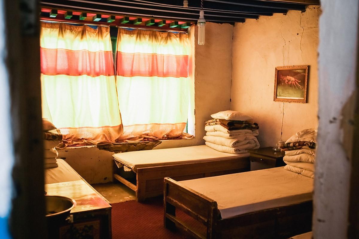 19. Наша комната на 4 человека. Как и в Ньяламе, на каждой кровати лежат по несколько одеял, так как