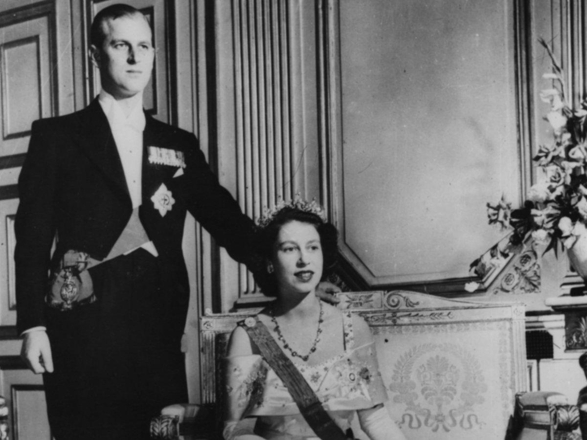 С тех пор как Елизавета заняла трон, принц Филипп посвятил свою жизнь выполнению королевских обязанн