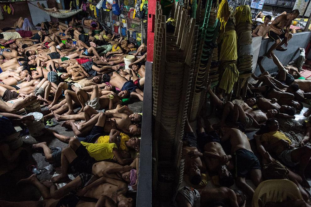 5. Всего за 1 месяц на Филиппинах были убиты сотни людей и еще тысячи задержаны. (Фото Noel Cel