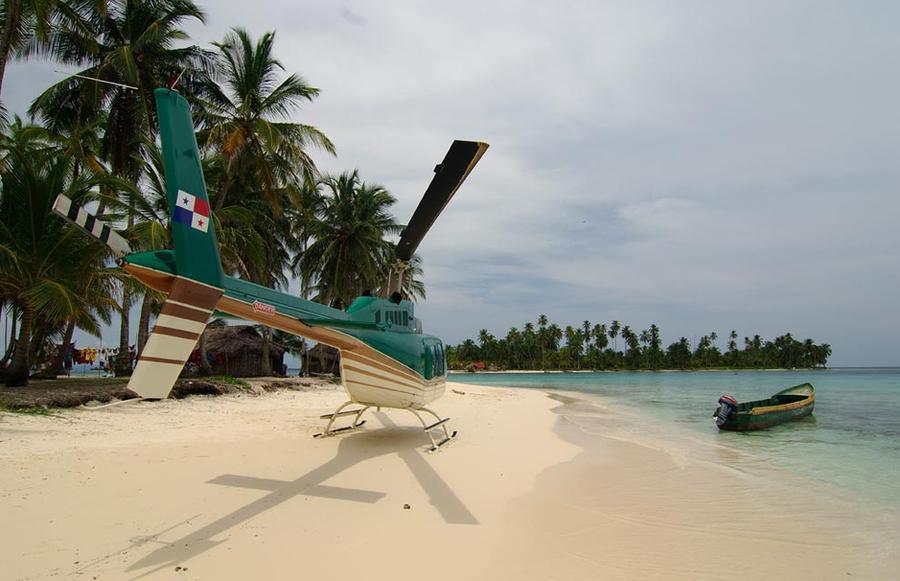 13. Островов, находящихся рядом с побережьем Панамы, так много, что граница между сушей и морем каже
