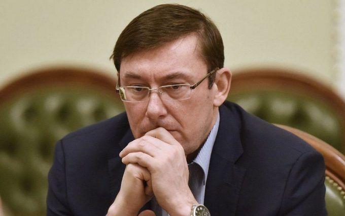Президент несзывал внеочередную сессию Рады— Сыроид
