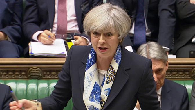 Джонсон объявил, что поддерживает Мэй напосту премьера Англии