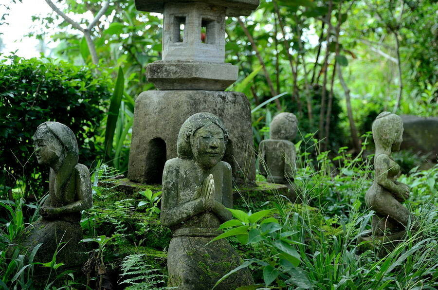 Буддистские скульптуры