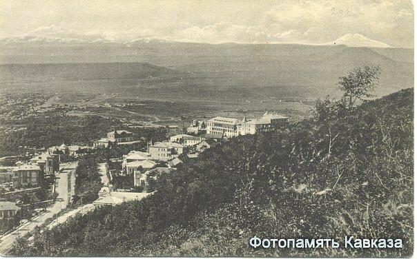 Курортный бульвар (сейчас им. Ю.А. Гагарина) по дороге к озеру Провал