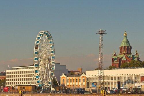 The Ferris wheel and the Uspenski Cathedral in the Katajanokka district in Helsinki