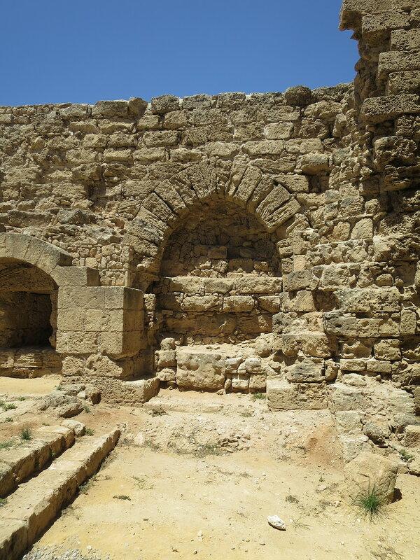 Фамагуста. Крепость. Заложенная арка ворот 6