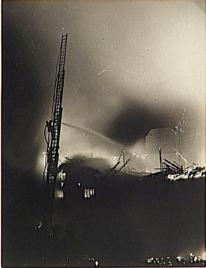 1930. Пожар