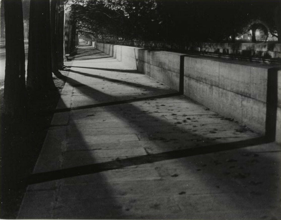1931. Набережная Малаке. Тени