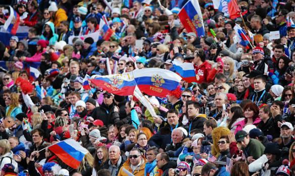 """Ментальность средневековой орды: две трети россиян предпочитают """"твердые руке"""", а не демократии"""