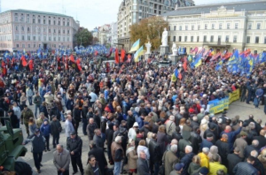 Марш Героев в стольном граде