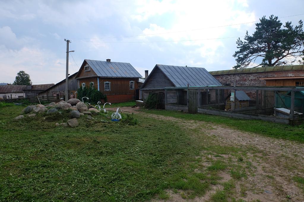 Горицкий Воскресенский монастырь в Вологодской области, хозйственные постройки