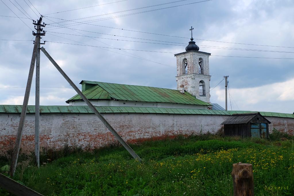 Горицкий Воскресенский монастырь в Вологодской области, стены