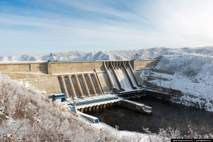 В 2009 году после наращивания водоводов до проектных значений Бурейская ГЭС была выведена на полную