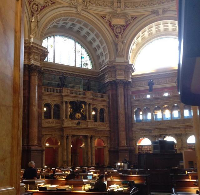 18. Самой большой в мире библиотекой считается Библиотека Конгресса, расположенная на Капитолийском