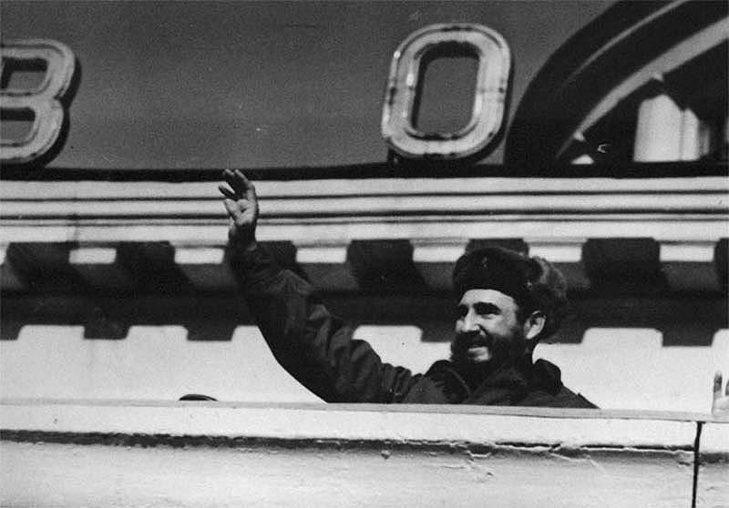 Самые яркие моменты путешествия Фиделя по СССР (25 фото)