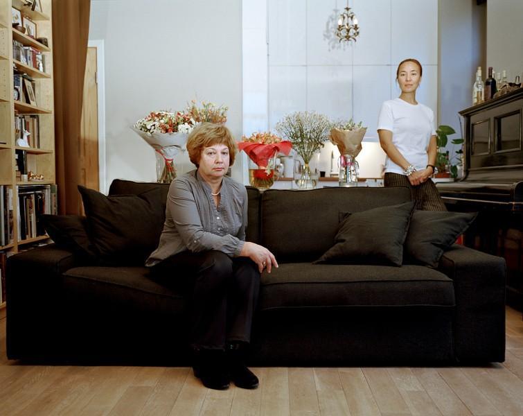 2. Марина Левашова, 47 лет. Родилась в Магадане. Замужем, имеет дочь. Окончила факультет журналистик